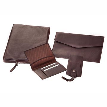 Picture of BROWN NAPA TRAVEL SET 17.821.341